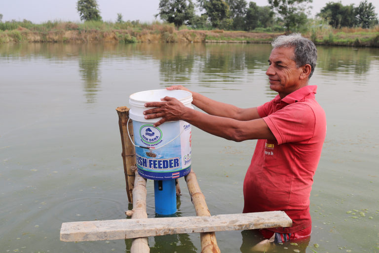 Article image for Testing low-cost demand carp feeders in Nepal