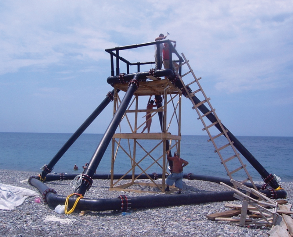 Article image for Small-scale, submersible fish cages suitable for developing economies